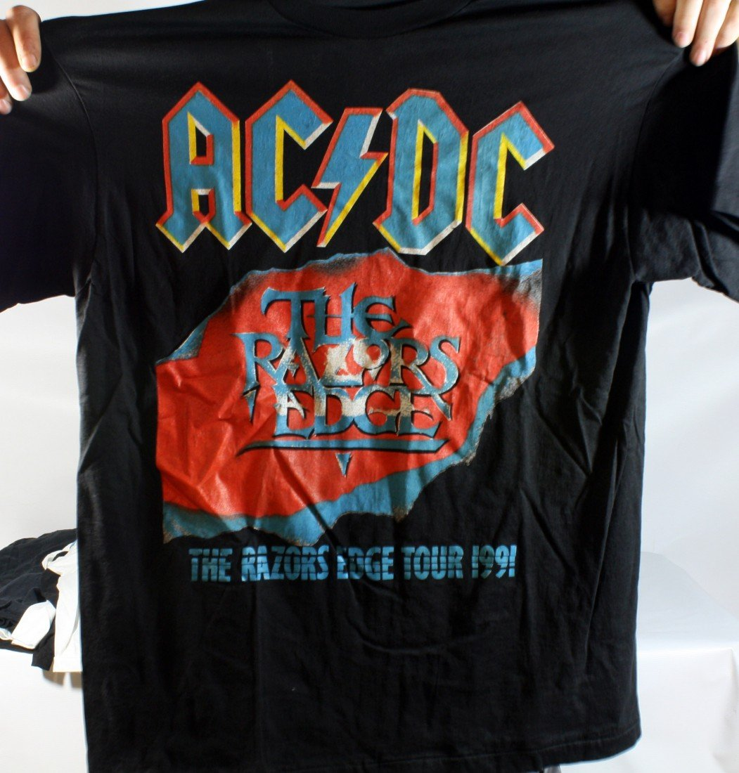 18: Lot of 10 Concert T-Shirts: AC/DC x2, Monsters of R