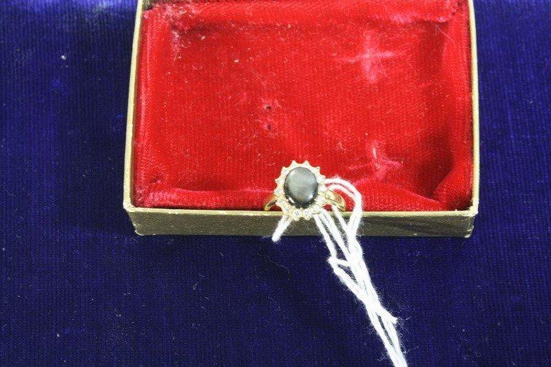 8: 18 Kt. Black Sapphire Ring 3.85 DWT
