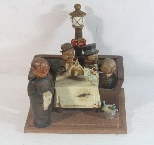 16: Wooden folk art music box with ballerinas and figur