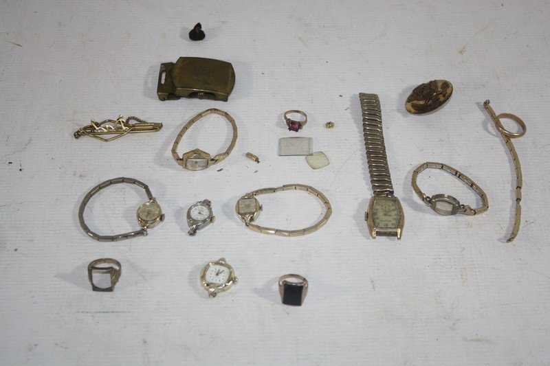 10A: 4 -10Kt. and 14Kt. gold rings with watches and par