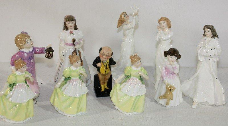 17: 10 Royal Daulton figurines