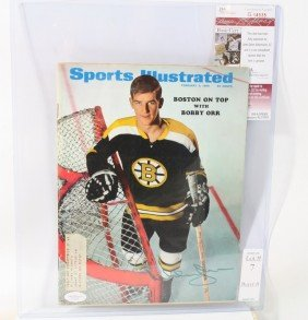 7: Bobby Orr Autographed Sports Illustrated with Authen
