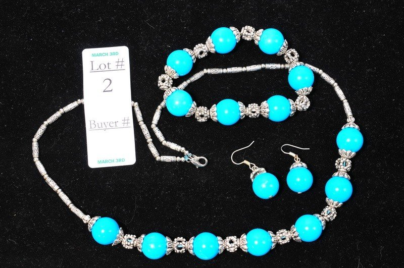 2: Turquoise set with necklace, bracelet, earrings and