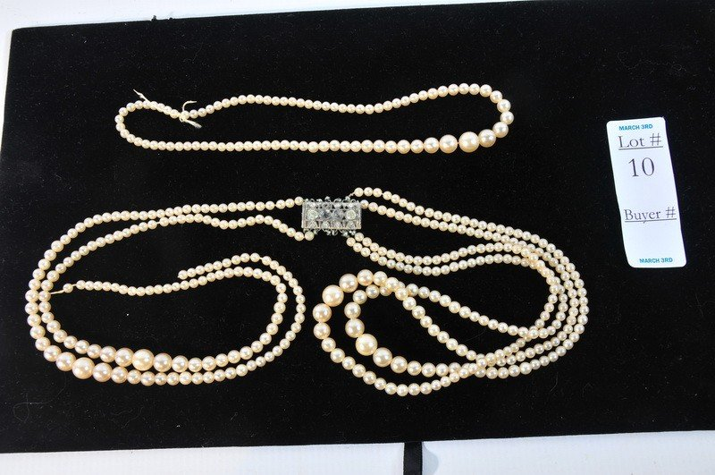 10: Pearl Necklace with clasp