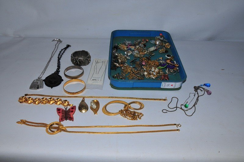 56A: Costume Decorated jewlery lot