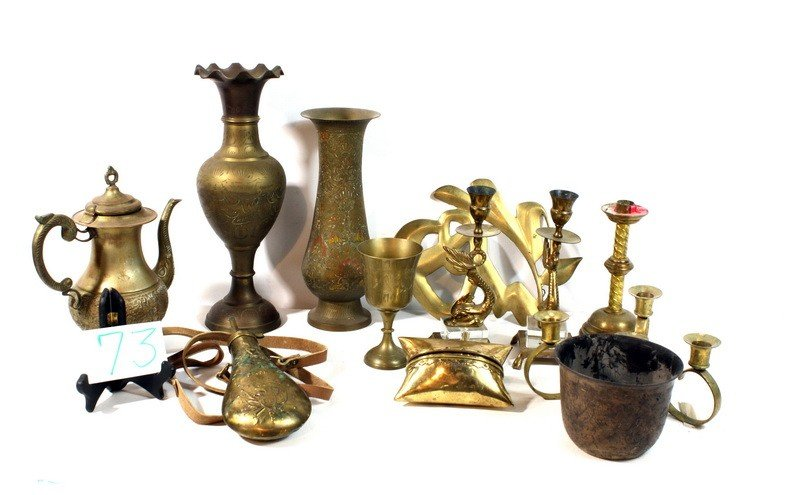 73: Brass lot with vases, powder flask and more