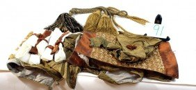 Linen Lot With Tassels And More