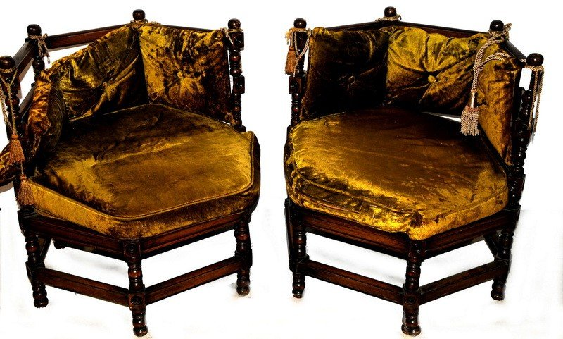 505: Pair of Victorian corner chairs