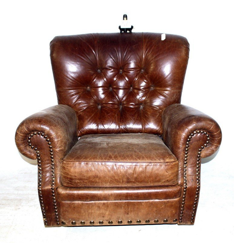 515: Leather Button bound arm chair