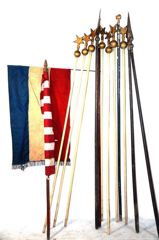 518: Lot with Oddfellows, flags and ceremonial poles