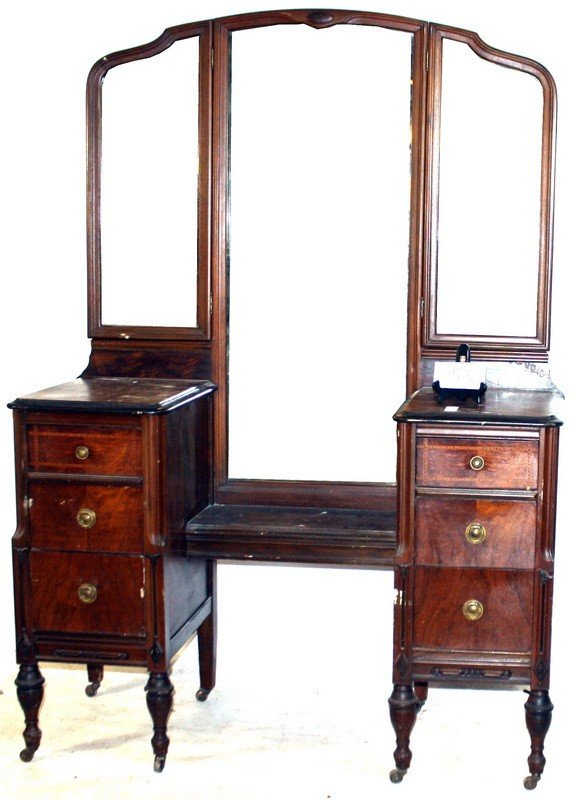 534A: Walnut chest with mirror