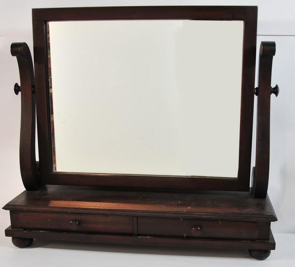 9: Mahogany vanity mirror with 2 small drawer 28x26