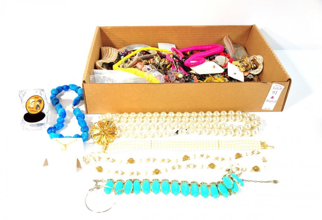 91A: Collection of Costume Jewelry to include several n