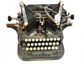Black Oliver Typewriter
