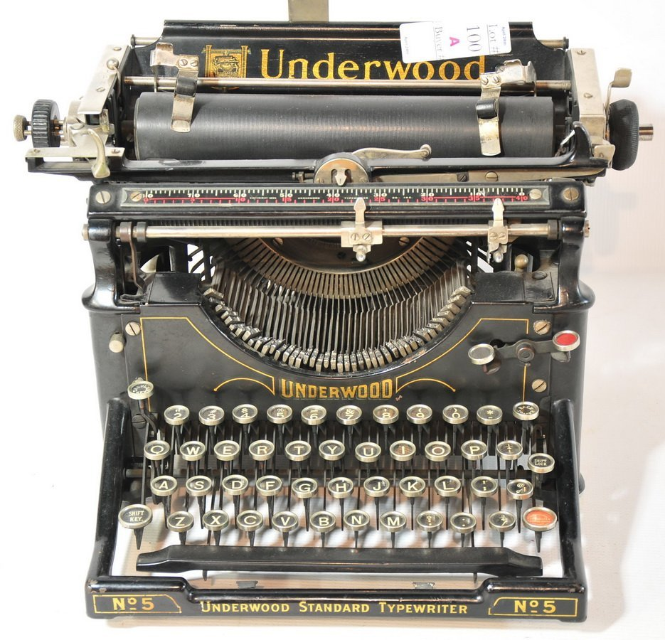 100A: Black Underwood Standard Typewriter No. 5