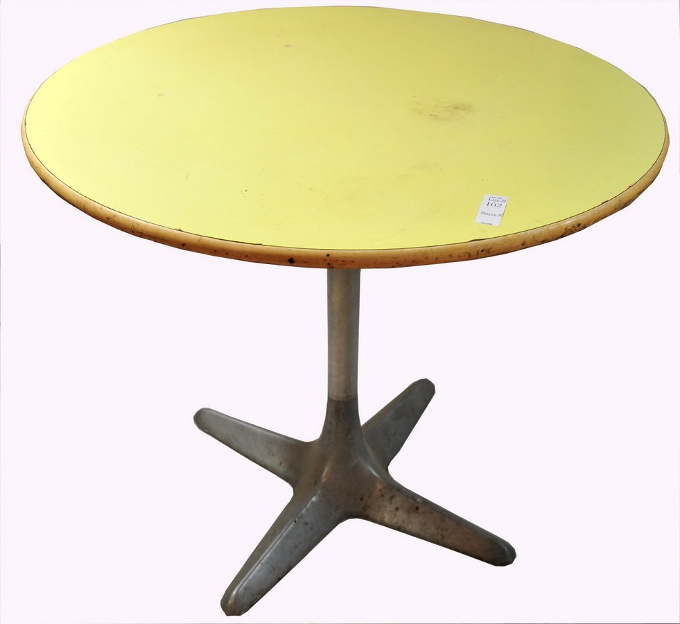"102: yellow oval patio Table 33"" diameter with aluminum"