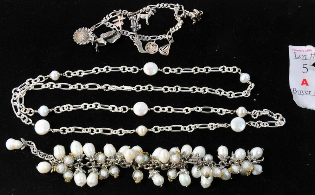 5A: Sterling silver and pearl lot with charm bracelet