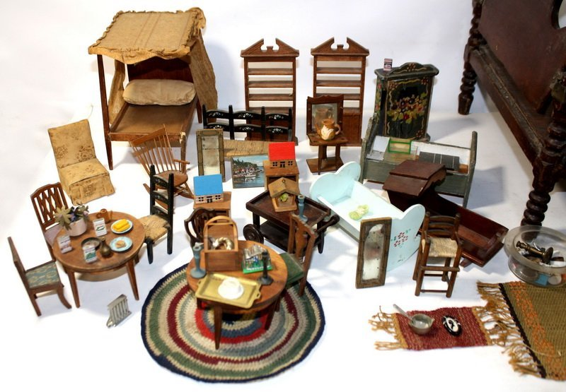 4: Large collection of wooden doll furniture to include