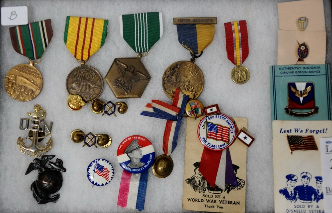 21A: WWII & Vietnam Medals, Badges, Ribbons, Etc in 8 X