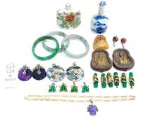 Collection of oriental smalls and jewelry