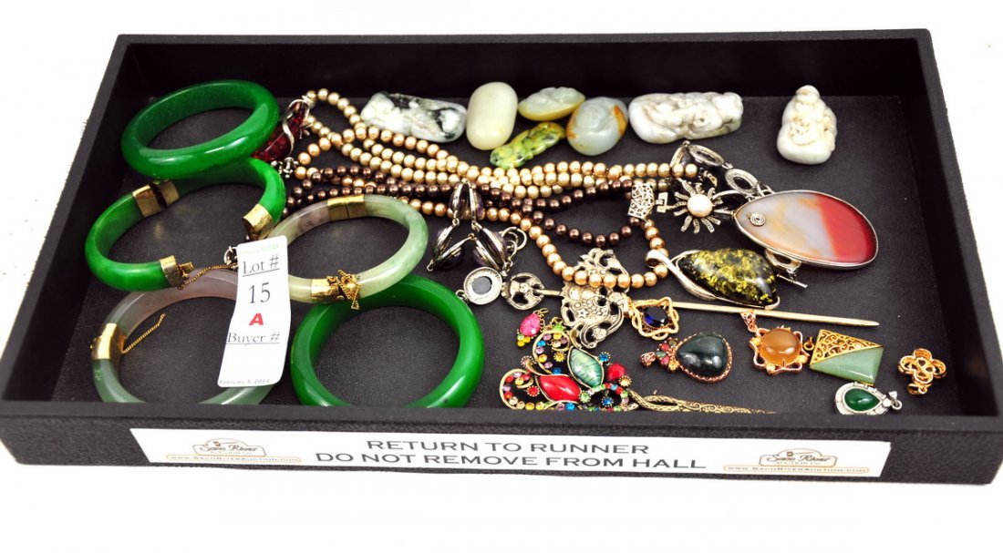 Collection of Chinese jewelry and jade