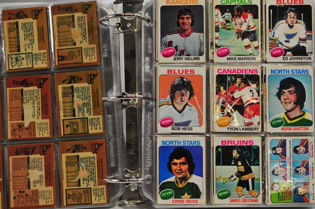 Collection of 490 Football and Hockey Cards