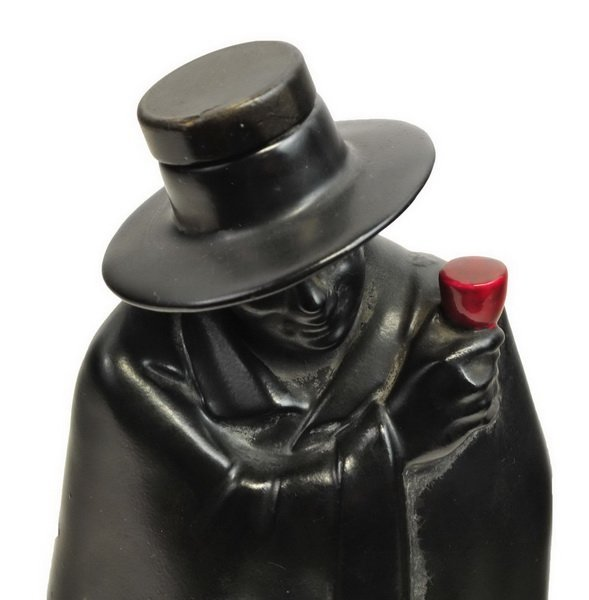 Royal Doulton The Don Man In Black Cape Decanter - 2