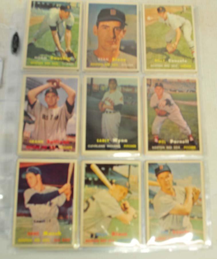 26 1957 Topps Baseball Cards