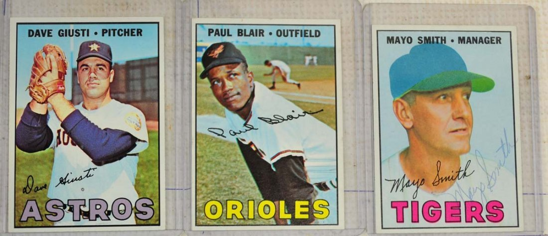 28 1967 Topps Ungraded Mint Cards - 7