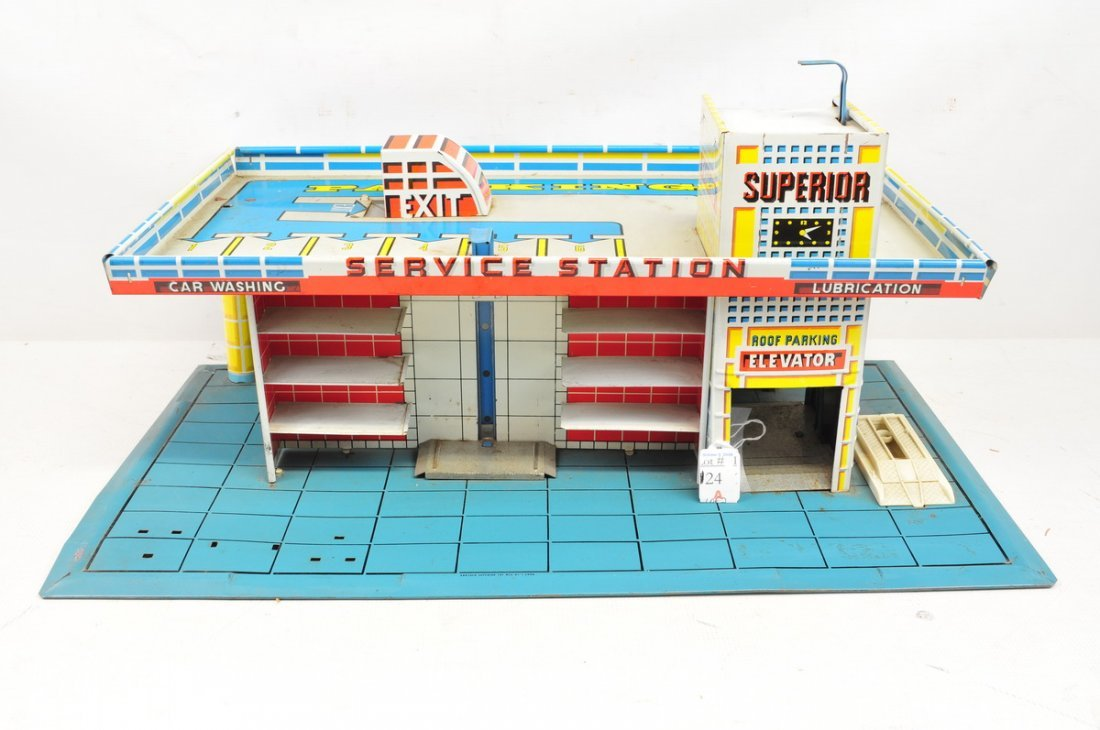 Two Tin Toys Garages Marx and Superior Toy Company - 2