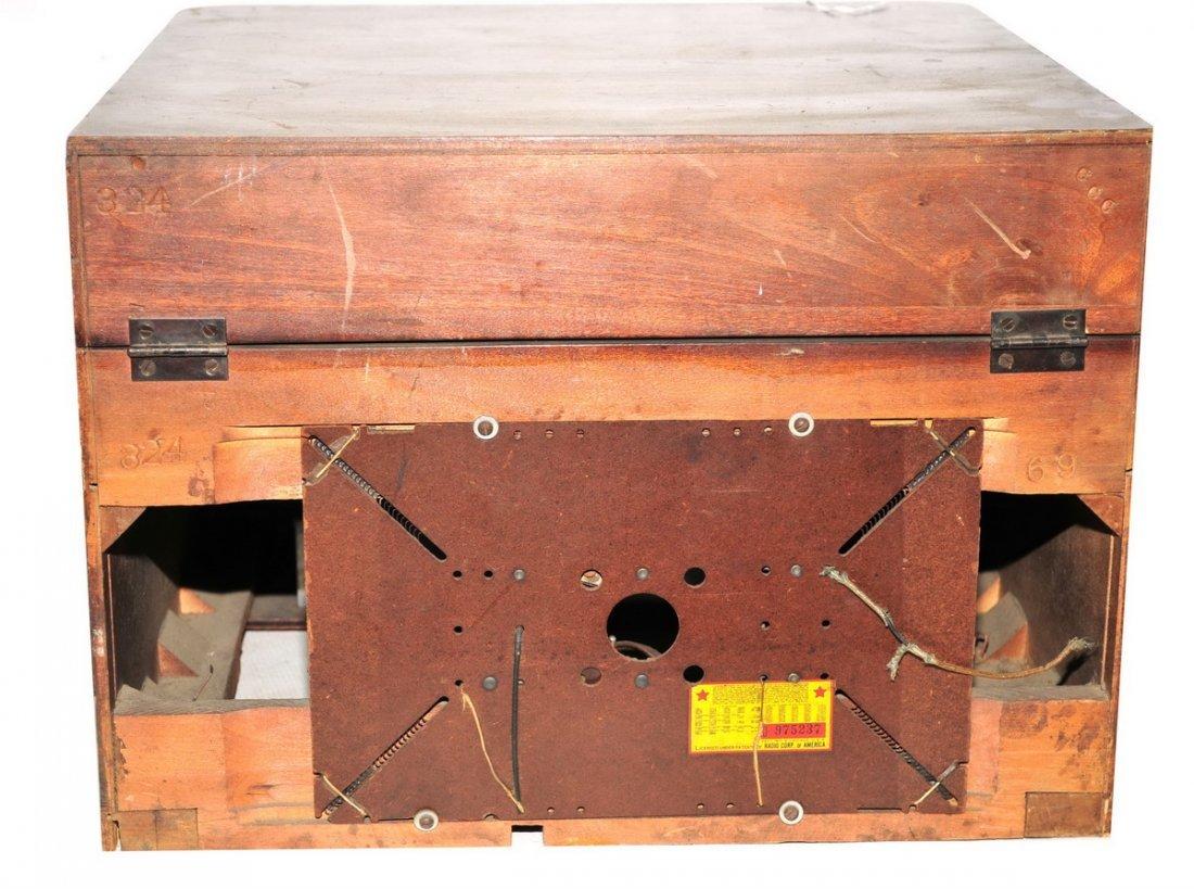 Pair of Vintage Radios - 5