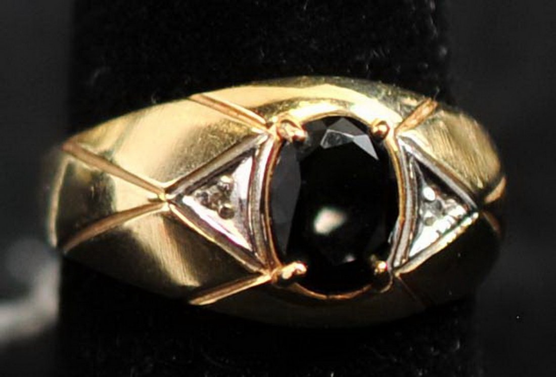 Men's Onyx and Diamond Accent Ring 10Kt