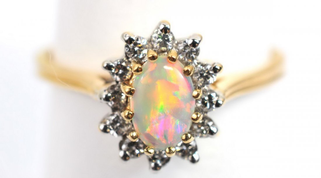 Ladies antique Opal 10K rose gold ring size 8