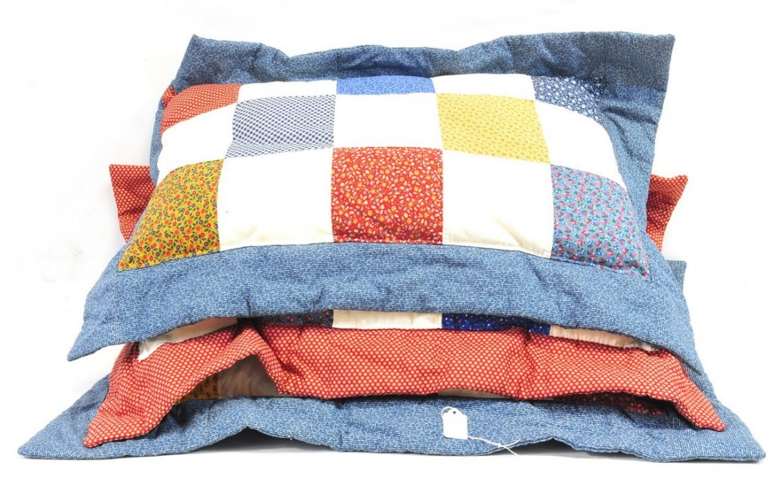 Four quilts and Five pillows - 3