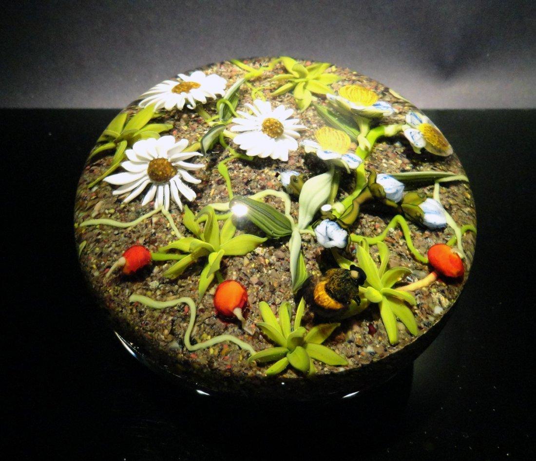 8: Paul Stankard 'Untitled' flowers on gravel