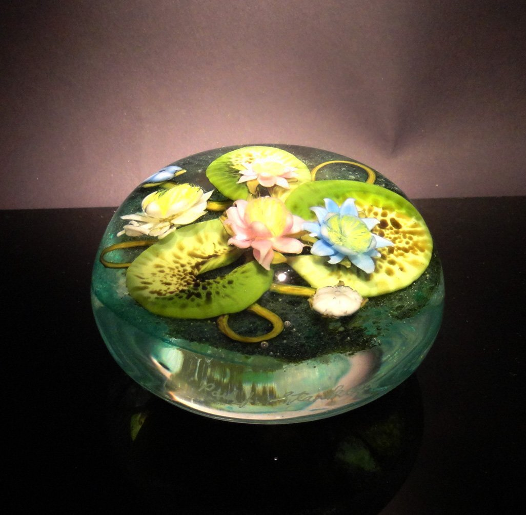 19: Paul Stankard 'Untitled' lilly pads