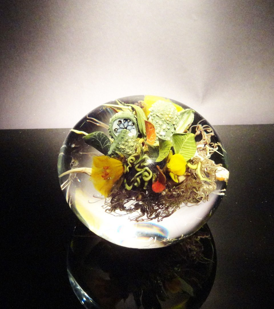 21: Paul Stankard 'Untitled' yellow flowers, green pods
