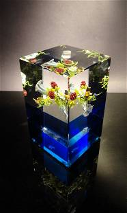 23: Paul Stankard 'Untitled' cube with blue bottom