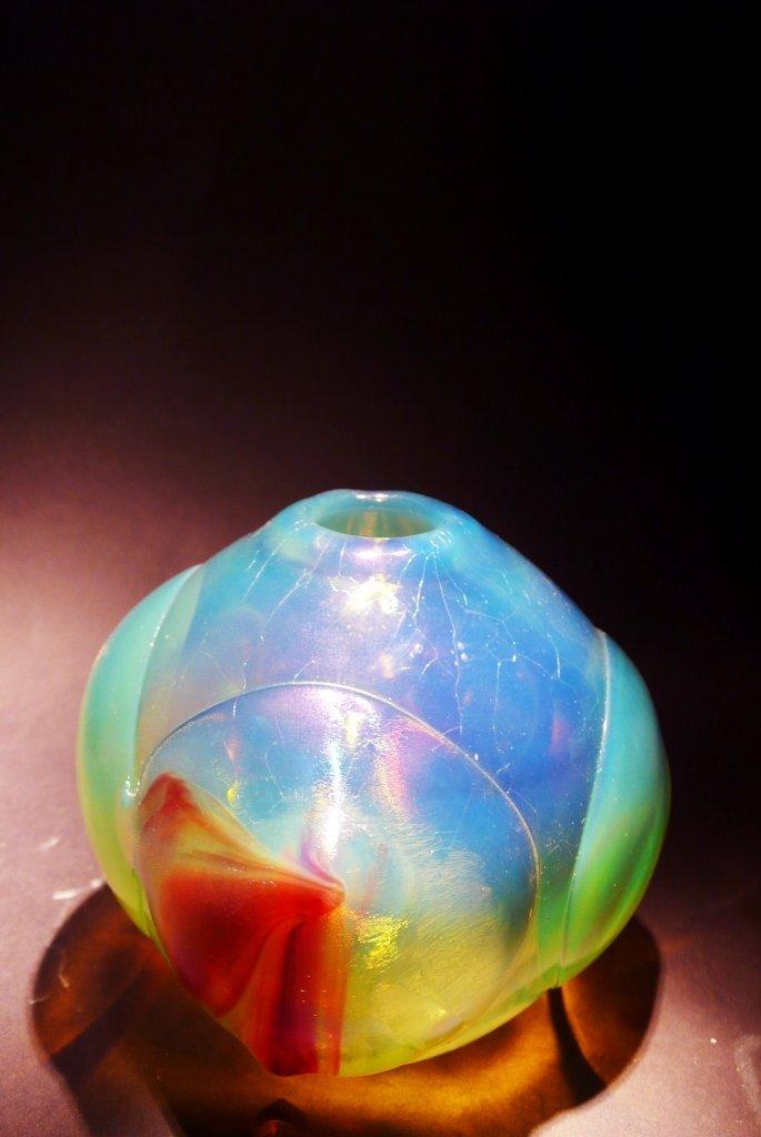 50: Dominick Labino 'Untitled' clear metalic vase