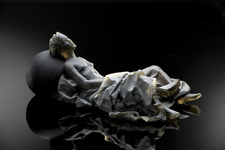 Habatat - Nicolas Africano, Reclining Figure, Glass Art