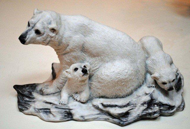 1: Boehm Polar Bear with Cubs