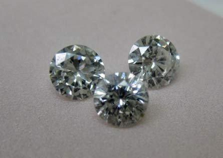 29: 3 Loose Round Diamonds