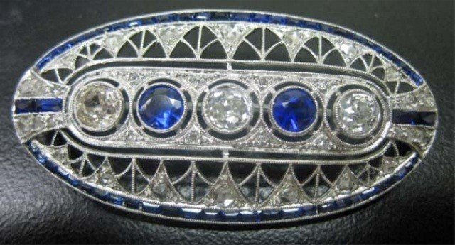 32: 14K White Gold Deco Style Brooch