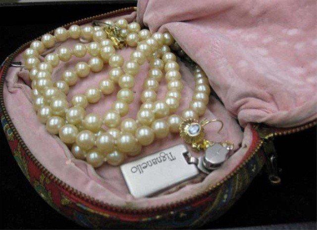 5: Assorted Costume Jewelry