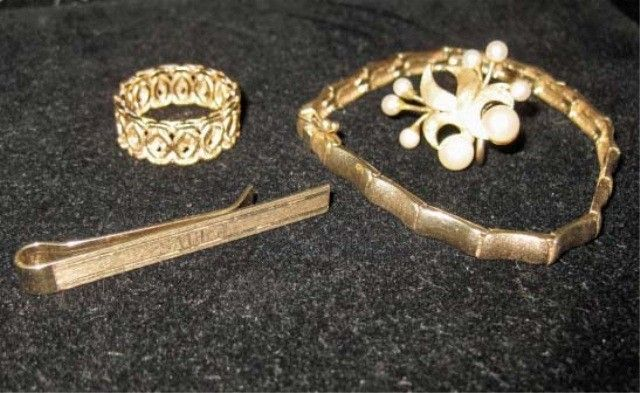 14: Assorted 14K Gold and Gold Filled Jewelry