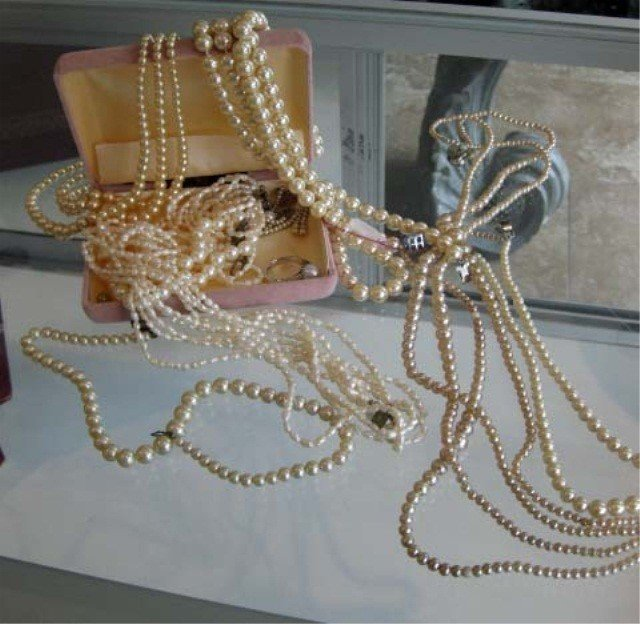 3: Collection of Freshwater and Faux Pearls