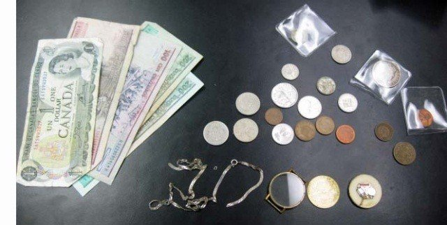 6: American & Foreign Coins & Currency & Trinkets