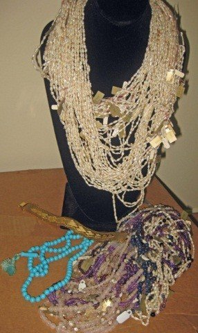 16: Collection of Freshwater Pearl and Hardstone Beads