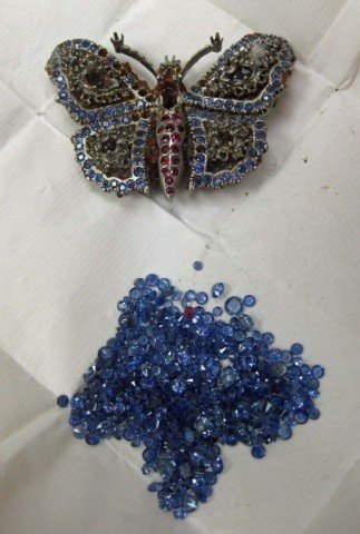 20: White Gold Butterfly Pin and Blue Stone Melee