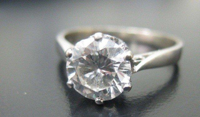 40: 14K White Gold Diamond Ring